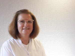 Dr. -medic. stom. (RO) Liliana Frank